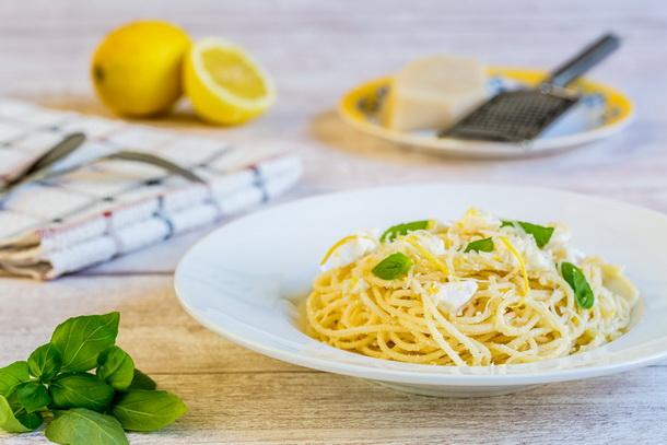 ספגטי בלימון וריקוטה