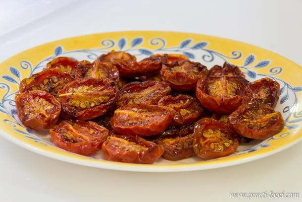 עגבניות לחות